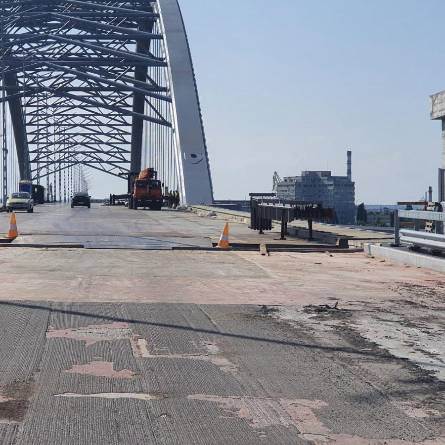 Прокуратура проводит обыски в Департаменте транспортной инфраструктуры КГГА из-за хищений на строительстве Подольского моста